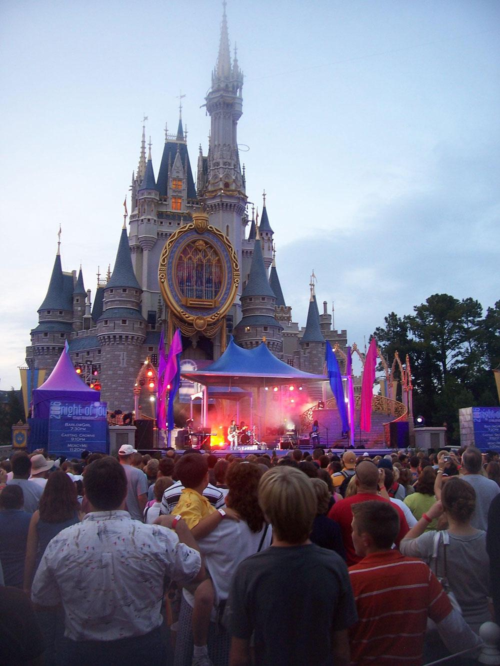 Mega-12m-Disney-castle