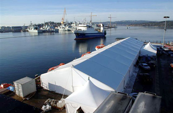 emergency-tents-by-the-water