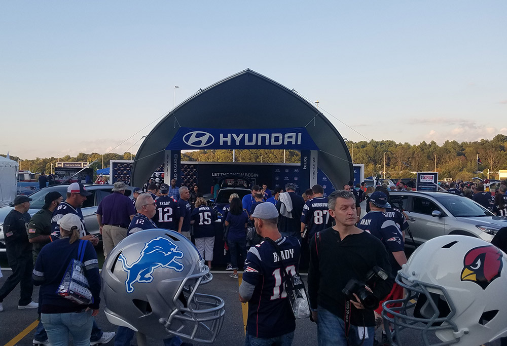 "SaddleSpan-S1000 | 2017 NFL Kickoff Concert driven by Hyundai | <a href=""http://www.jackmorton.com/"" target=""_blank""> Jack Morton Worldwide</a>"